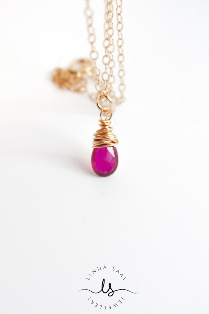 Hot pink ruby wire wrapped in 14k rose gold fill, dainty and delicate jewellery at its best. Made by Linda Sääv Jewellery.